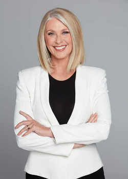 Default_tracey_spicer_-_author_photo